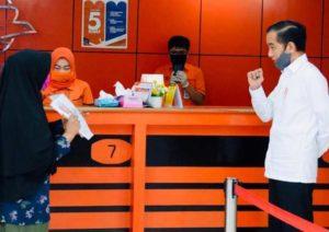 Presiden Jokowi Tinjau Penyaluran Bantuan Tunai di Kota Bogor
