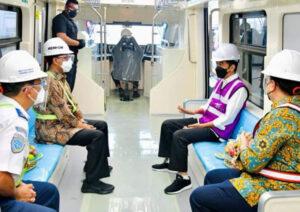Presiden Jokowi Tinjau Perkembangan Pembangunan LRT Jabodebek