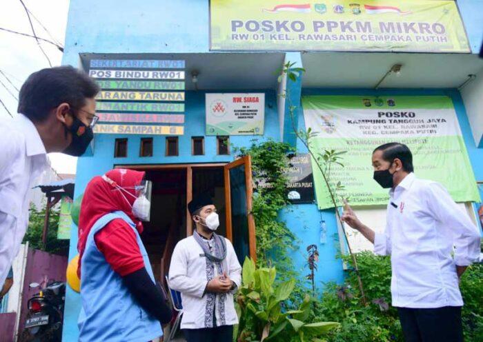 Presiden Tinjau Langsung Pelaksanaan PPKM Mikro di Kelurahan Rawasari