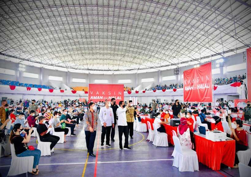 Presiden Tinjau Vaksinasi Covid-19 Massal di Kabupaten Tangerang