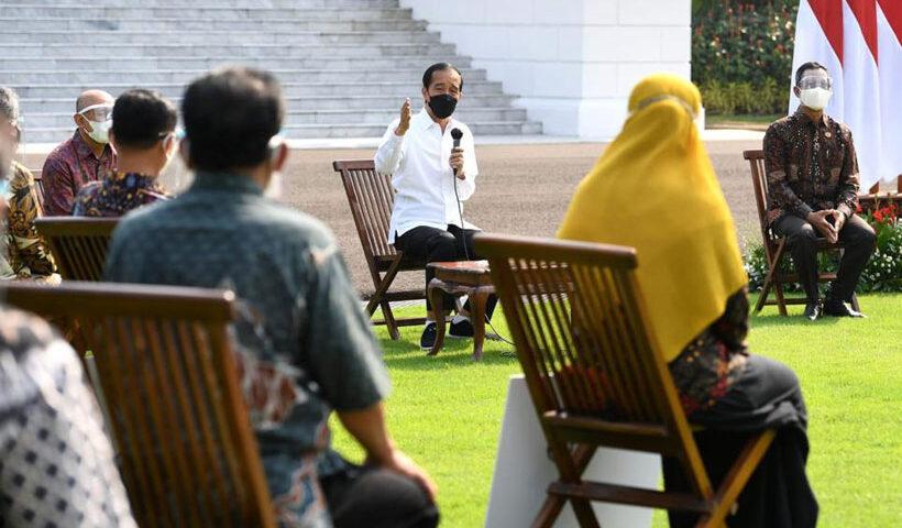 Serahkan BPUM, Presiden Dorong Pelaku Usaha Mikro Tidak Putus Asa di Tengah Pandemi